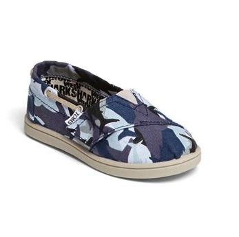 toms camo shoe