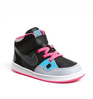 nike kids sneaker