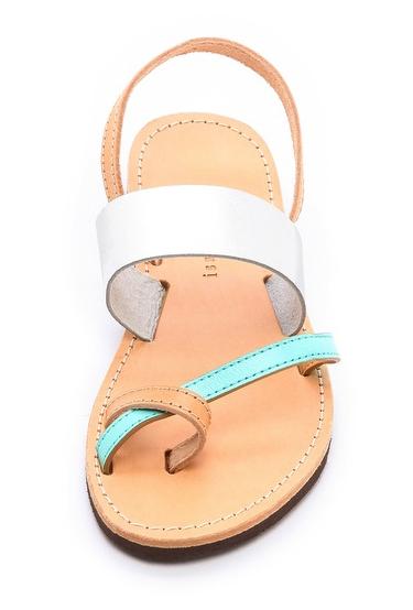 Isapera sandal