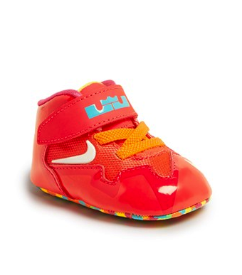 Nike crib shoes and bib