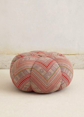 Anthropologie pouf