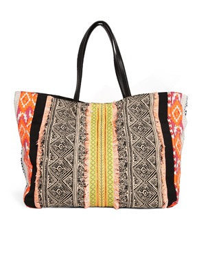 New Look shopper - printed accessories
