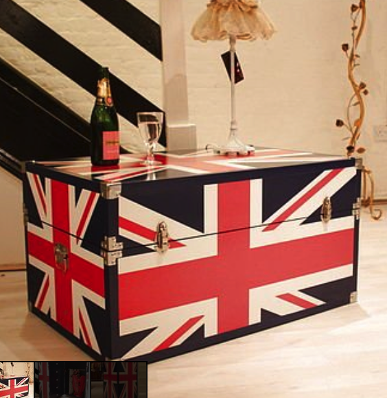 Union Jack trunk/mini walk in wardrobe